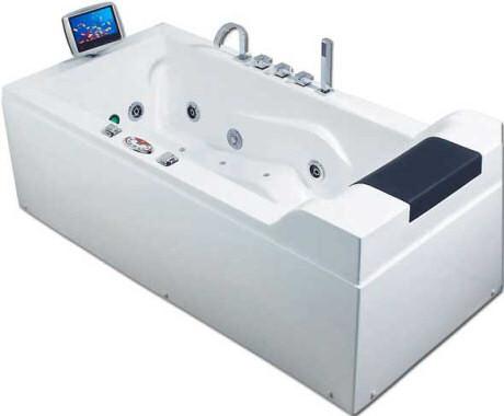 luxe badkuip voorzien van lcd tv. Black Bedroom Furniture Sets. Home Design Ideas